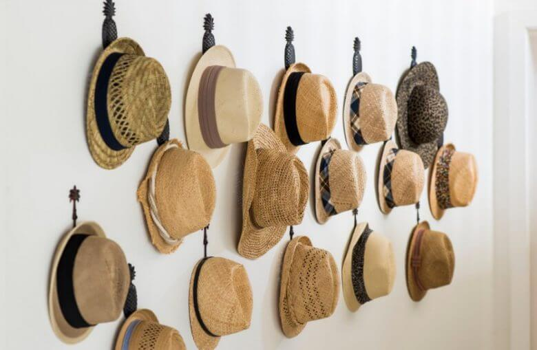 20 super cool and affordable diy hat rack ideas cuethat for Hat hanging ideas